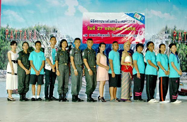 Die neue Präsidentin des Interact Clubs, Lalita Phetphuang, mit ihrem Komitee.