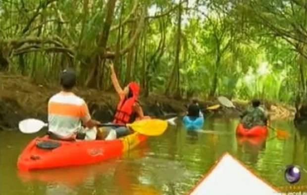 Mit dem Schlauchboot durch – fast - unberührten Dschungel.