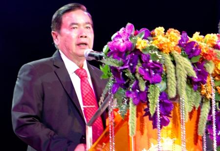 Generaloberst Chaiyasit Shinawatra präsidierte bei der Eröffnungsfeier.